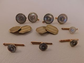 LOT GOLD CUFFLINKS