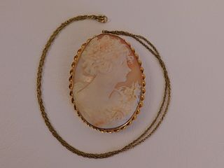 CAMEO NECKLACE W/14K GOLD FRAME
