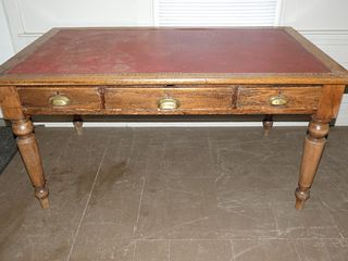 ANTIQUE 5 FT. COUNTRY TABLE
