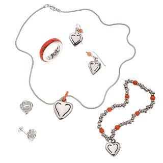 Collar, pendiente, pulsera, anillo y dos pares de aretes con ágatas y simulantes en plata .925. 5 mosaicos de ágata color rosa. ...
