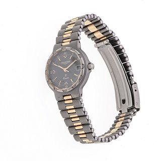 Reloj Longines modelo Conquest. Movimiento de cuarzo. Caja circular en Titanium de 23 mm. Carátula color gris con índices de b...