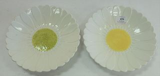 Set of Fourteen Gien Daisy plates, marked 'Gien France' to the underside, diameter 9 inches.