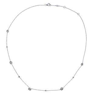 Memoire 18K Gold Diamond Station Necklace