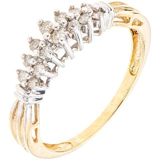 14K YELLOW GOLD RING WITH DIAMONDS 14 Brilliant cut diamonds ~0.21 ct. Weight: 2.2 g. Size: 7 ½