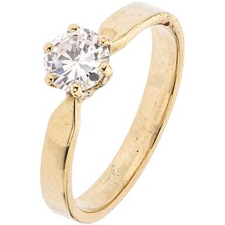 SOLITAIRE RING WITH DIAMOND AND 14K YELLOW GOLD  Brilliant cut diamond ~0.55 ct. Clarity: VS2. Color: J-K. Size: 5 ¾