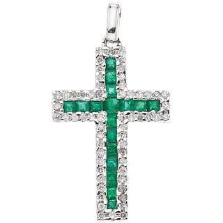 CROSS WITH EMERALDS AND DIAMONDS IN 18K WHITE GOLD 17 Square cut emeralds ~0.55 ct, 60 Brilliant cut diamonds ~0.30 ct