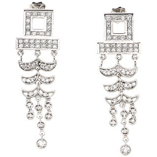 PAIR OF EARRINGS WITH DIAMONDS IN 18K WHITE GOLD 90 Brilliant cut diamonds ~0.90 ct. Weight: 13.4 g