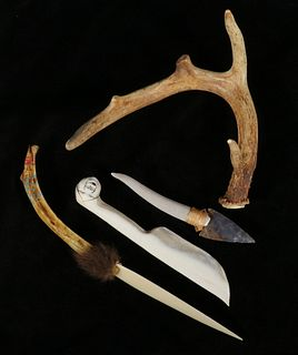 (3) 20TH C. NATIVE AMERICAN KNIVES & LOOSE ANTLER