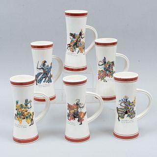 Lote de 6 tarros cerveceros. Siglo XX. Elaborados en cerámica. Decorados con caballeros: Ralph de Monthermer d.1325, otros.