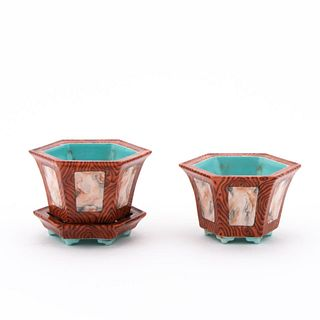 PAIR, CHINESE SMALL PLANTERS, SINGLE UNDERPLATE