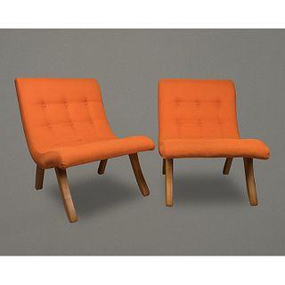 Michael van Beuren para Domus. Par de sillas San Miguel con tapicería naranja / Pair of San Miguel lounge chairs