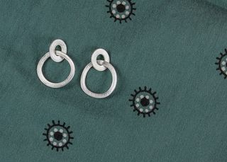 Wobble Link Earrings