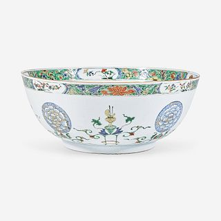 A Chinese export famille verte-decorated porcelain punch bowl Kangxi period