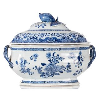 A CHINESE BLUE AND WHITE 'FLORAL'TUREEN