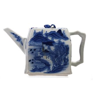 A CHINESE BLUE AND WHITE 'LANDSCAPE'TEAPOT