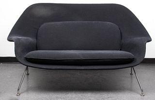 """Eero Saarinen Mid-Century Modern """"Womb"""" Settee"""