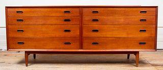 Arne Vodder for Sibast Mid-Century Modern Dresser