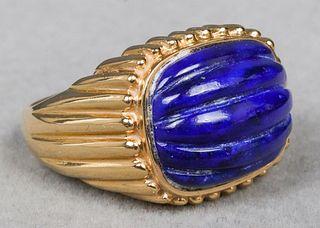 Vintage 14K Yellow Gold Carved Lapis Lazuli Ring