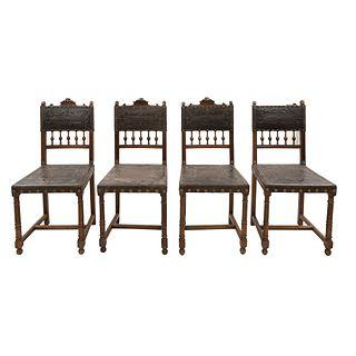 Lote de 4 sillas. Francia. Siglo XX. Estilo Enrique II. En talla de madera de nogal. Con respaldos semiabiertos.
