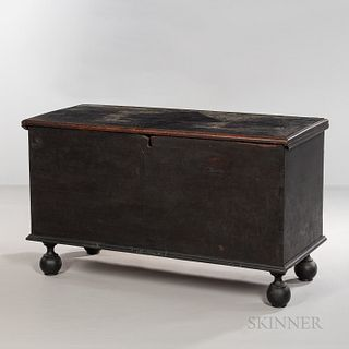 Black-painted Six-board Chest
