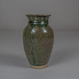 Florero en cerámica de alta temperatura color verde y café / Green and brown ceramic flower vase
