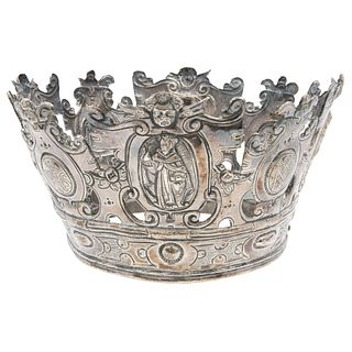 """CROWN FOR RELIGIUS FIGURE* MEXICO, 18TH CENTURY Embossed and chiselled silver 5.1"""" (13 cm) diameter 367 g"""