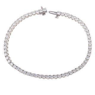 A 5.28 ctw Diamond Line Bracelet in Platinum