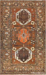 ANTIQUE TRIBAL PERSIAN HERIZ RUG. 8 ft 9 in x 5 ft 4 in (2.67 m x 1.63 m)