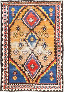 VINTAGE PERSIAN GABBEH RUG. 7 ft 7 in x 5 ft 4 in (2.31 m x 1.63 m)