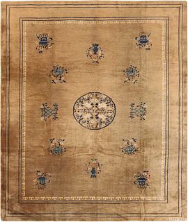 ANTIQUE CHINESE CARPET. 11 ft 4 in x 9 ft 3 in (3.45 m x 2.82 m)