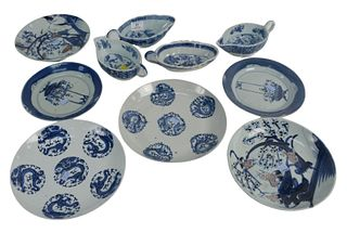 Group of Blue and White Chinese Porcelain to include three pairs of Chinese plates with floral decoration along with four gravy boats, 18th/19th centu