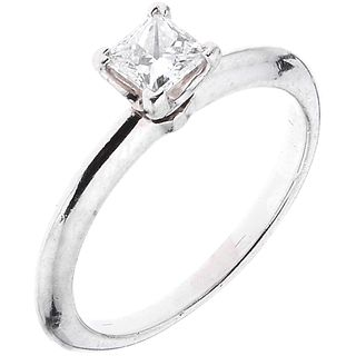 SOLITAIRE RING IN PLATINUM, TIFFANY & CO. 1 princess cut diamond ~0.35 ct Clarity: VS2. Weight: 3.5 g. Size: 5