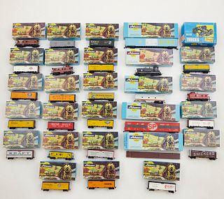 Grp: 39 Athearn HO Scale Trains & Freight Car Trucks