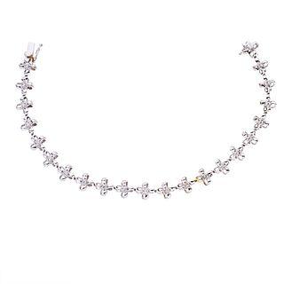 Pulsera con diamantes en oro blanco de 18k. 22 diamantes corte 8 x 8. Peso: 14.6 g.