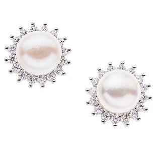 Collar, pendiente, anillo y par de broqueles con perlas en plata .925. 4 perlas cultivadas en forma de botón color crema de 5 y 10...