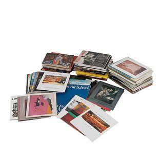 Caja de Catálogos de  Exposiciones de Arte. Varios formatos. Algunos títulos: Jacobo Borges 60 Obras; Ximena Subercaseau... Pz:100.
