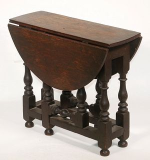 19TH C. WILLIAM AND MARY STYLE BUTTERFLY TABLE