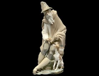 LLADRO PORCELAIN FIGURE OF AN OLD MAN WITH DOG