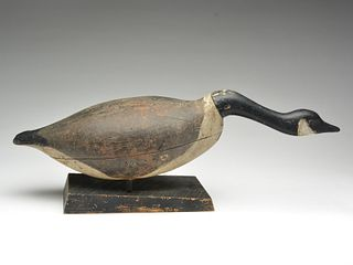 Very rare hollow carved Canada goose in hissing pose, John Ramsay, Summerside, Prince Edward Island, Canada, 1st quarter 20th century.