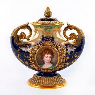 Doulton Burslem Lidded Urn, Miss Elizabeth Ann Linley