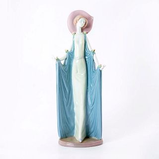 Afternoon Tea 1001428 - Lladro Porcelain Figurine