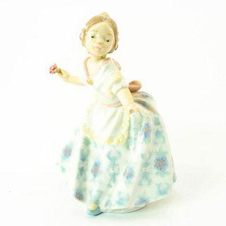 Carmencita - Lladro Porcelain Figure