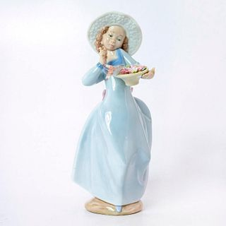 Caught In The Act 1006439 - Lladro Porcelain Figurine