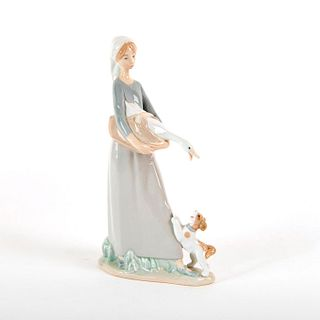 Girl w/Goose & Dog 1970/1992 1004866 - Lladro Porcelain Figure
