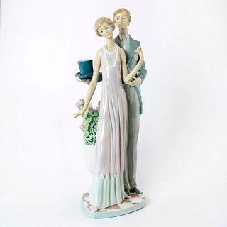 High Society 1011430 - Lladro Porcelain Figurine