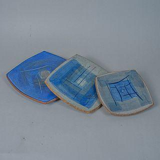 Ruth Beltrán. Set de 3 platos para postre en cerámica / Set of 3 ceramic dessert dishes