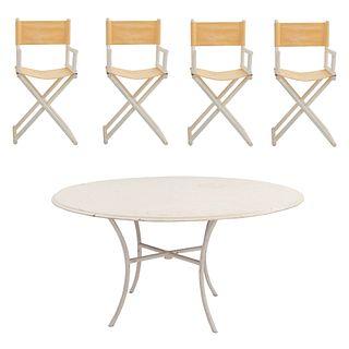 Antecomedor para exteriores. Siglo XX. Consta de: Mesa. Con cubierta circular de fibra de vidrio y 4 sillones, diseño plegable.