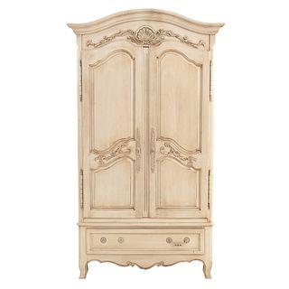 Ropero. Estados unidos, Siglo XX. Marca Ethan Allen. Estilo Luis XV. Elaborado en madera laqueada color beige.