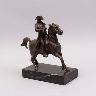 ANÓNIMO. Napoleón Bonaparte. Fundición en bronce. Con base de mármol negro jaspeado. 29 cm altura (con base)