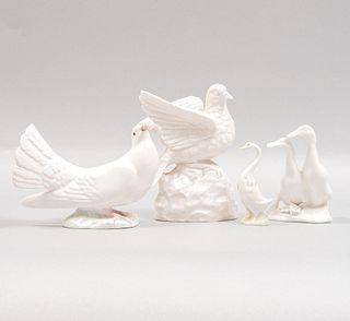 Lote de 4 figuras decorativas de aves. Siglo XX. Elaboradas en porcelana y cerámica. Una de Cuernavaca y otra E. Miguel.